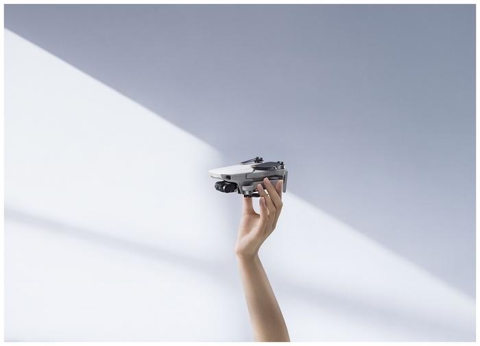 DJI Mini 2 Fly More Combo - функции: автоматический взлет и посадка, интеллектуальный контроль ориентации, вид от первого лица (FPV), возвращение в точку взлета, оповещение о запретных зонах