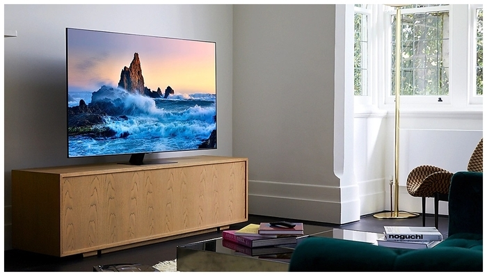 "QLED Samsung QE55Q80TAU 55"" (2020) - размеры с подставкой (ШxВxГ): 1228x783x256мм"