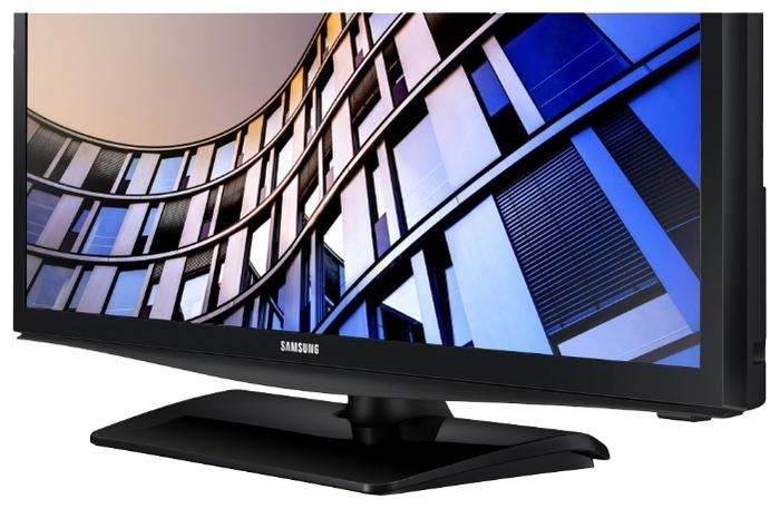 "Samsung UE28N4500AU 28"" (2018) - проводные интерфейсы: HDMI x 2, USB, Ethernet, выход аудио оптический"