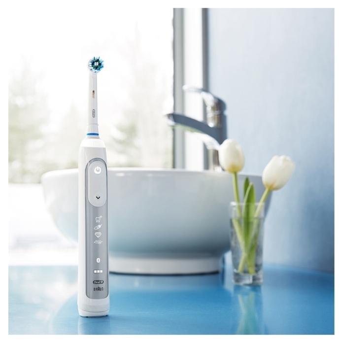 Oral-B Genius 8000 - особенности: датчик нажима, таймер, индикация зарядки, синхронизация со смартфоном