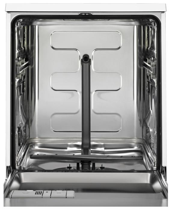Electrolux ESF 9526 LOX - вместимость: 13комплектов