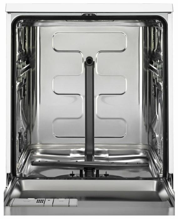 Electrolux ESF 9552 LOW - вместимость: 13комплектов