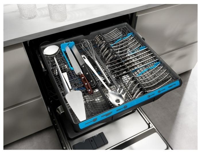 Electrolux EES 948300 L - защита от протечек: частичная (шланги)