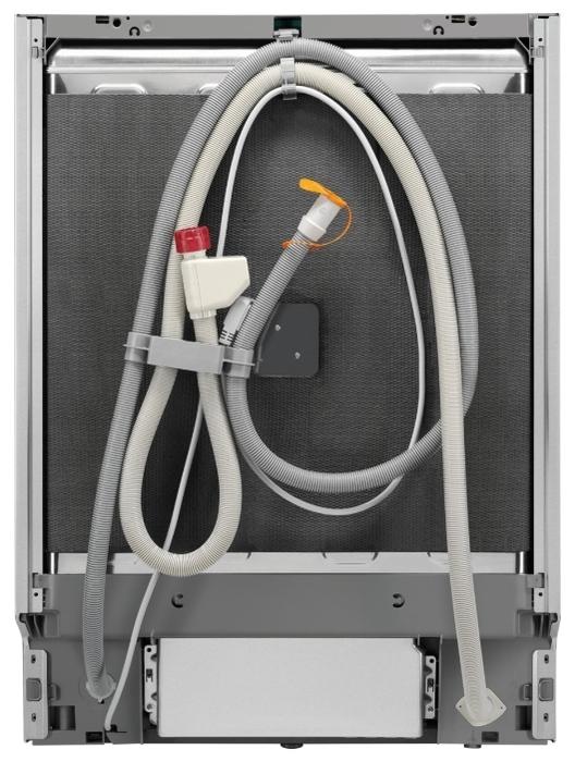 Electrolux EEZ 969300 L - вместимость: 15комплектов